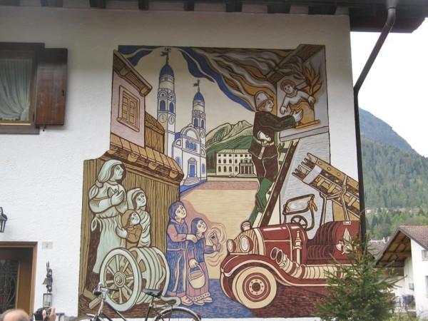 Nani il pompier di Dunio Piccolin Agordo - Paese del graffito