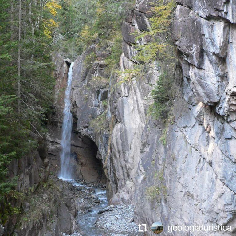 La cascata delle Barezze a Falcade, Dolomiti