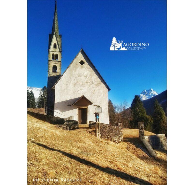 La splendida chiesetta di San Simon a Vallada - foto di Ylenia Vassere