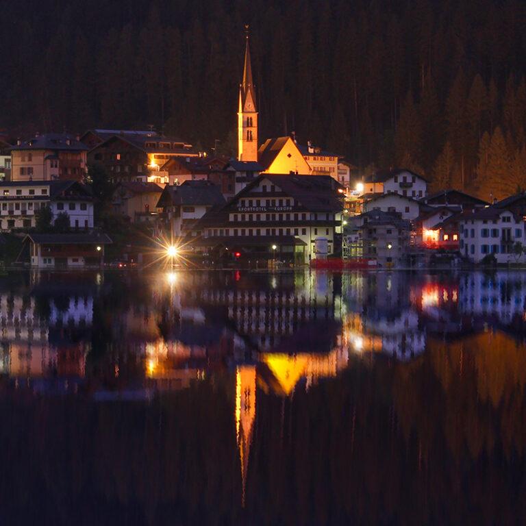 Il Lago di Alleghe in notturna