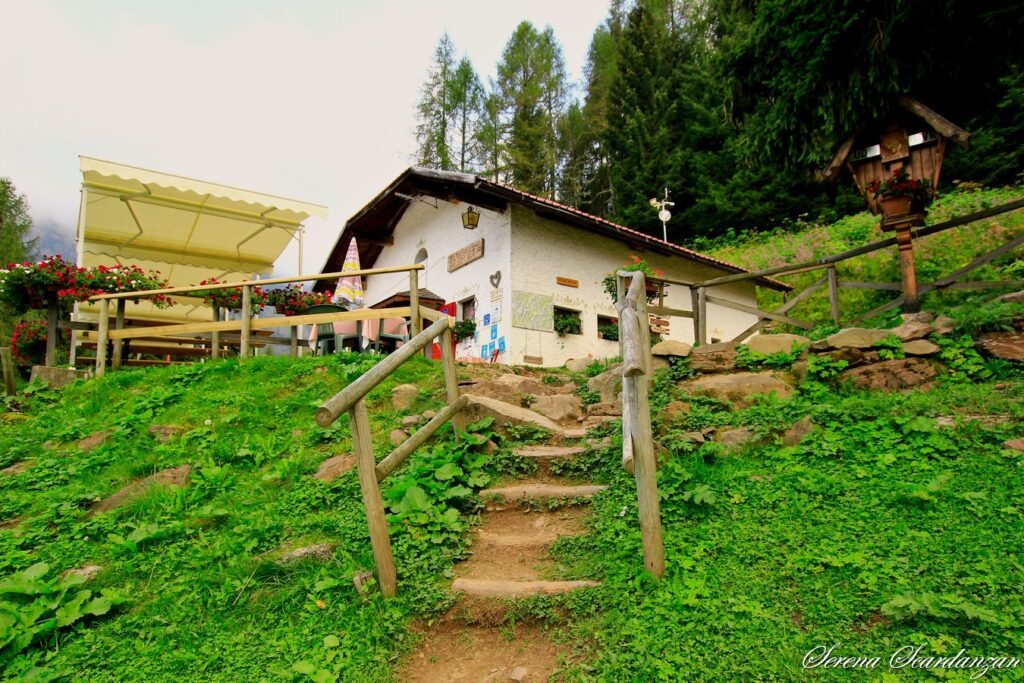 Rifugio Bottari, Alta Via n.2, Alta Via dei Pastori, Dolomiti