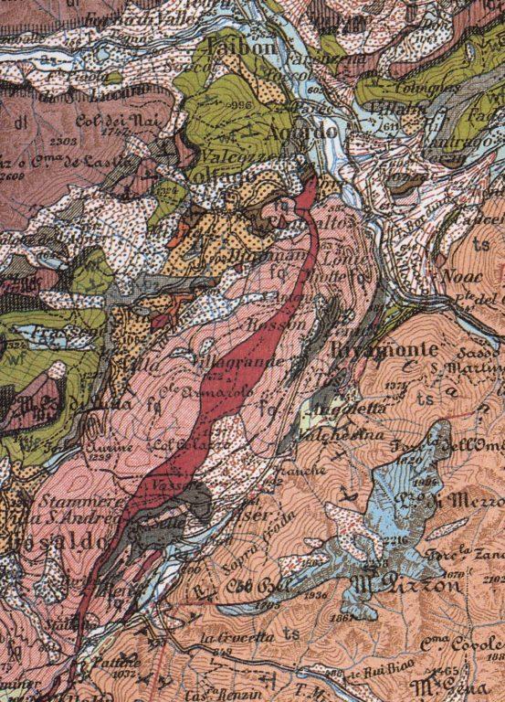 Particolare della carta geologica 1:100000 Foglio Belluno in cui viene messa in evidenza la zona corrispondente alla Linea della Valsugana con le rocce del Basamento Metamorfico Sudalpino affioranti tra Agordo e Gosaldo - Proff. Alberto Bertini