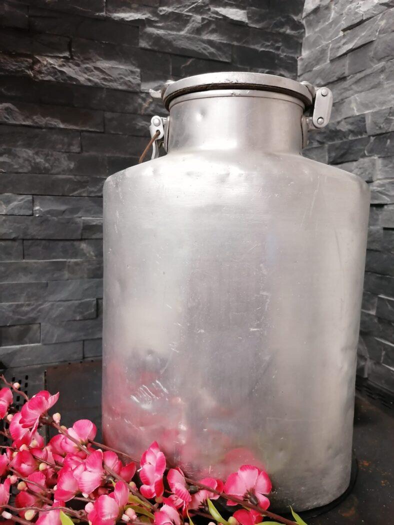 El Kandol dal Lat per trasportare il latte
