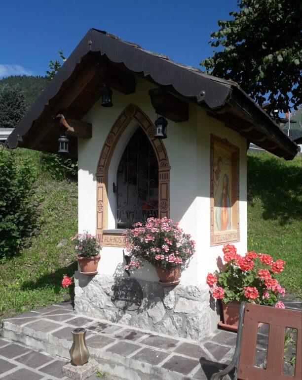 A la nostra mama bela - Affresco a Vallada di Dunio Piccolin il capitello