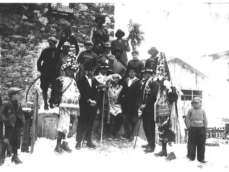 Carnevale Agordino -  Sottoguda - Foto Archivio G. Secco www.soraimar.it