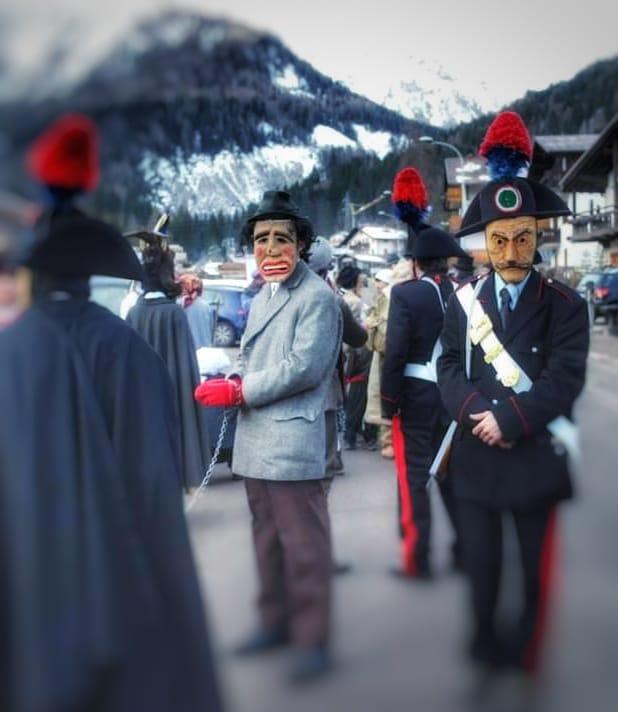 Carnevale Agordino-I gendarmi de la Zinghenesta