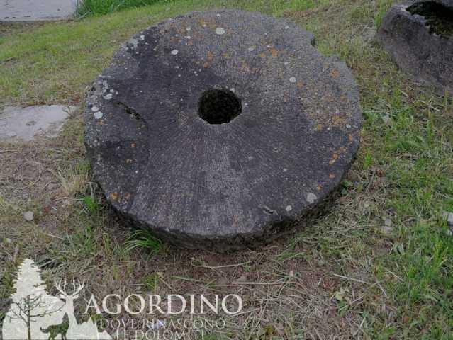Macina di Mulino - Museo degli scalpellini a Cencenighe Agordino