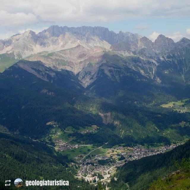 Falcade ai piedi del Col Becher e la frana delle Marmolade foto Proff. Alberto Bertini